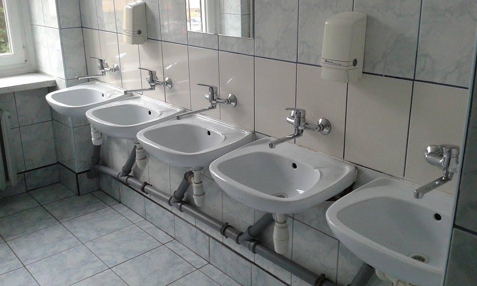 sanitariaty w szkole artykuł radny Krzysztof Haładus